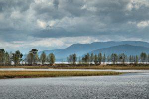 Ved Osensjøen, som Søre Osa renner ut fra.