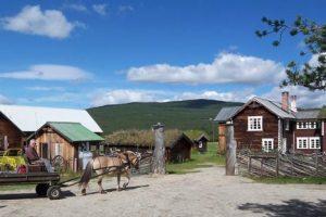Kvebergsøya gård ved foten av Rondane