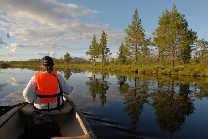 Romenstad i kano på Sølna